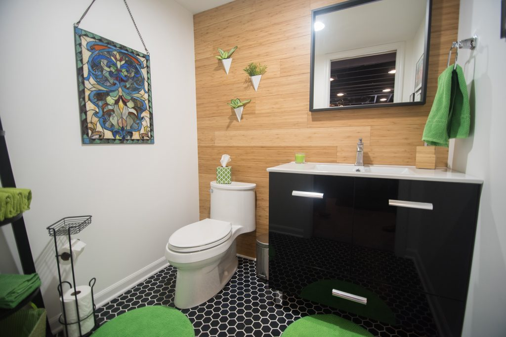 Accent wall in a bathroom